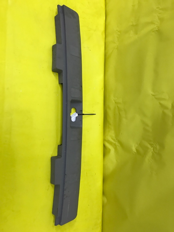 Пластик замка багажника Nissan X-Trail T30 QR20 2001