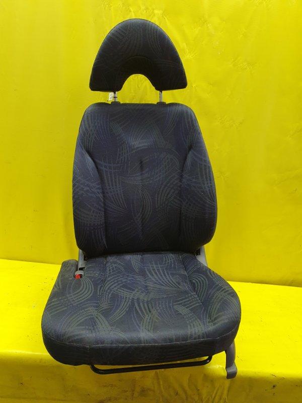 Сидение Daihatsu Yrv M201G K3-VE 2000 переднее левое