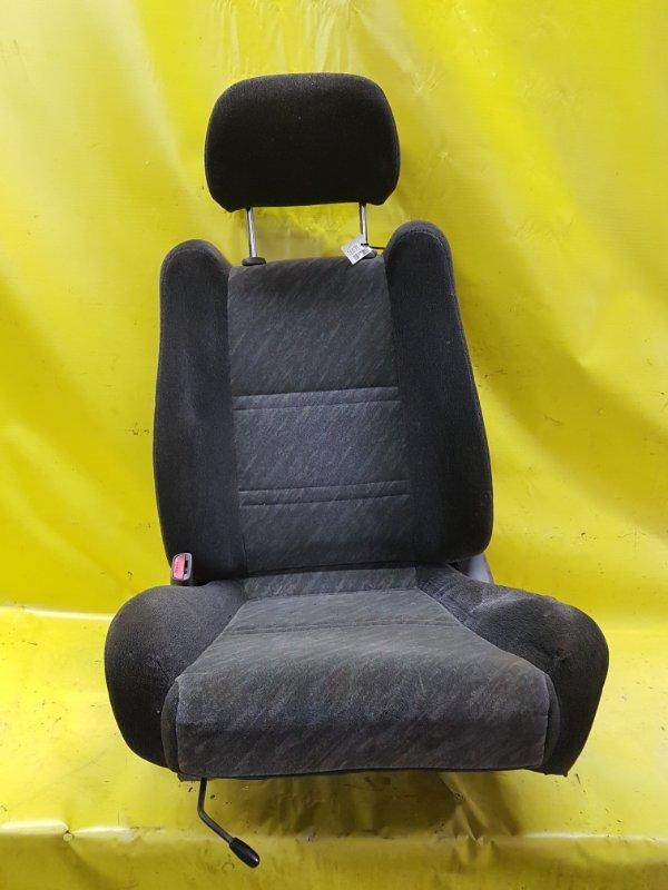 Сидение Nissan Bluebird EU13 SR18(DE) 1995 переднее левое