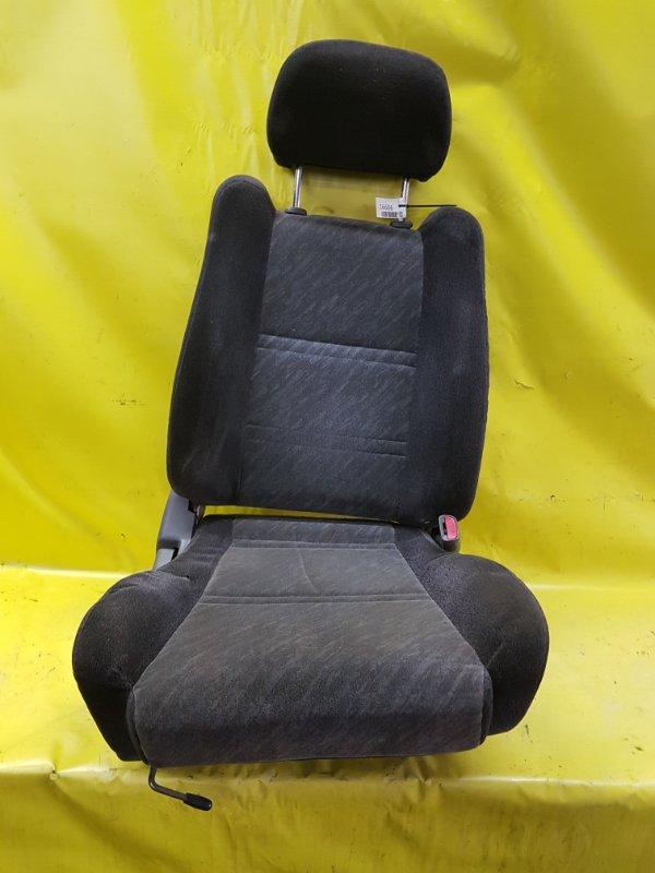 Сидение Nissan Bluebird EU13 SR18(DE) 1995 переднее правое