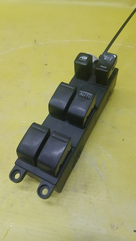 Блок управления стеклами Nissan Cube AZ10 CGA3(DE) 2000