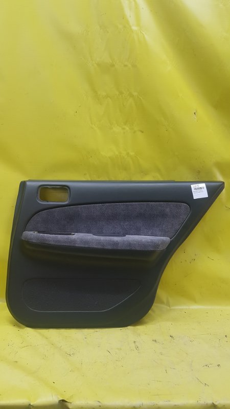 Обшивка дверей Nissan Cefiro A32 VQ20DE 1998 задняя правая
