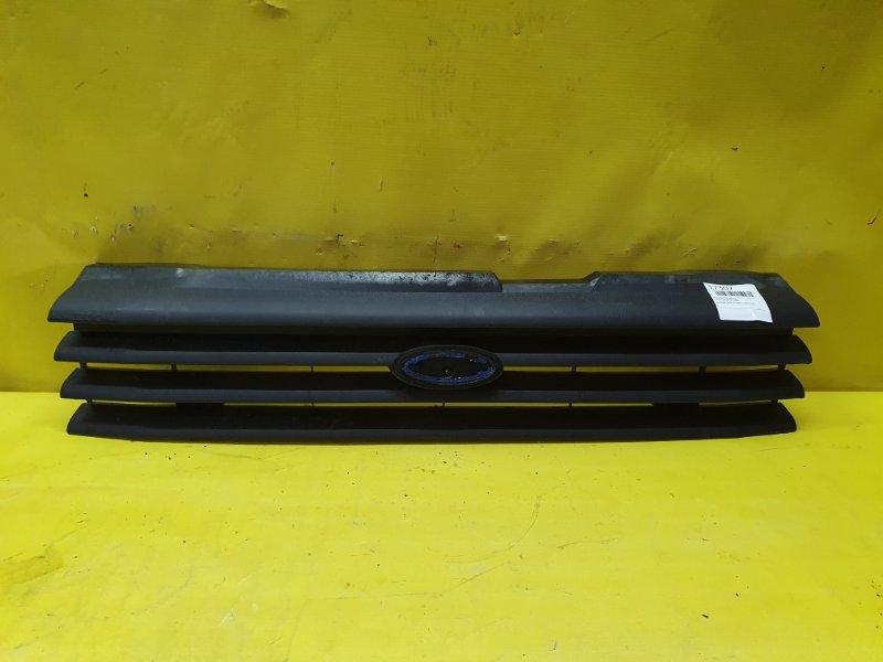 Решетка радиатора Ford Taunus BP 1982