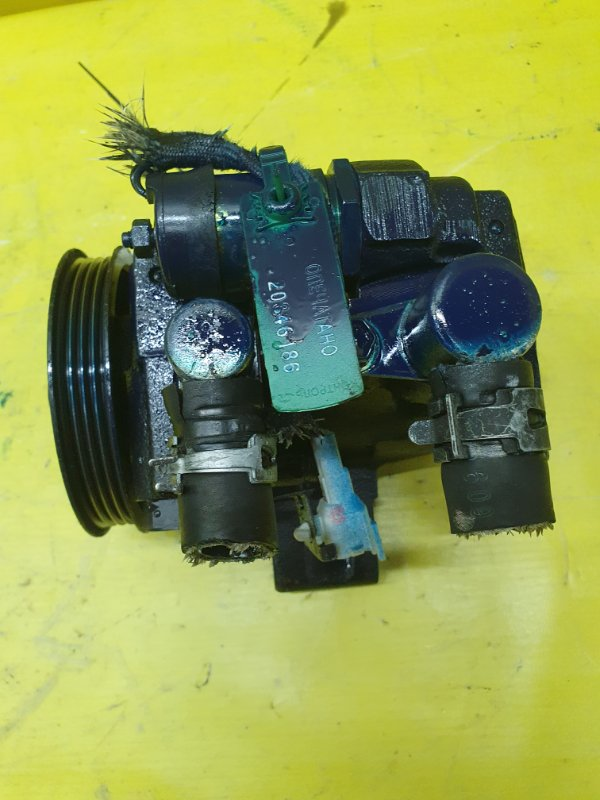 Насос гидроусилителя Toyota Windom VCV11 4VZ-FE 1995