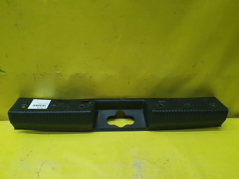 Пластик замка багажника Ford Focus 1 SPLIT-PORT 2003