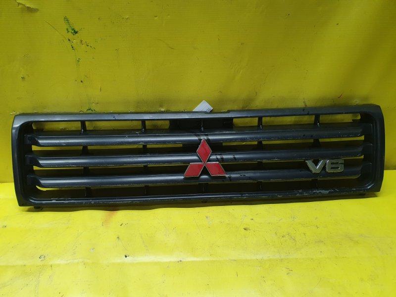 Решетка радиатора Mitsubishi Pajero V45W 6G74 1995