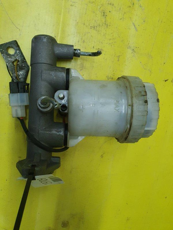 Главный тормозной цилиндр Mitsubishi Pajero V45W 6G74 1995
