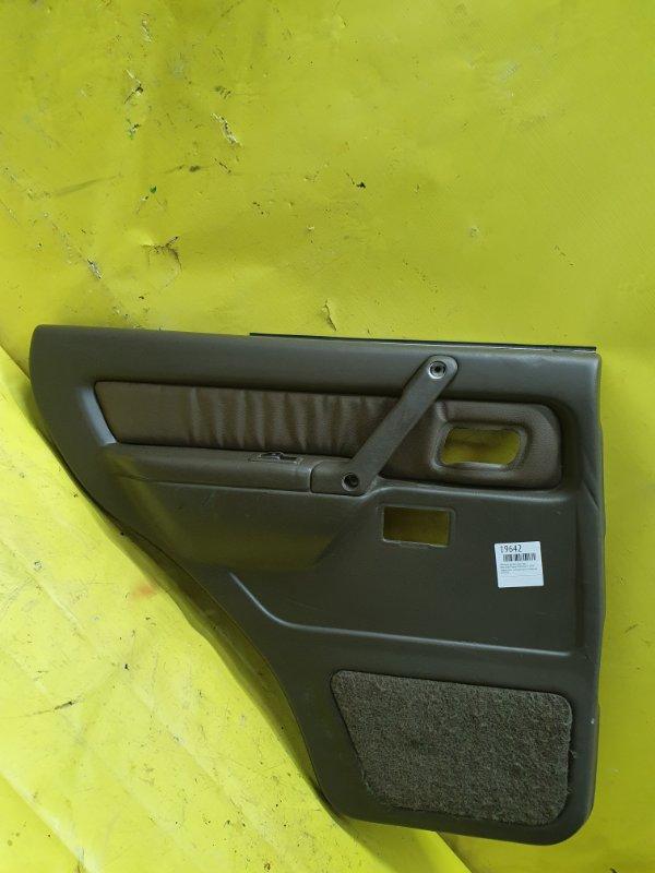 Обшивка дверей Mitsubishi Pajero V45W 6G74 1995 задняя левая