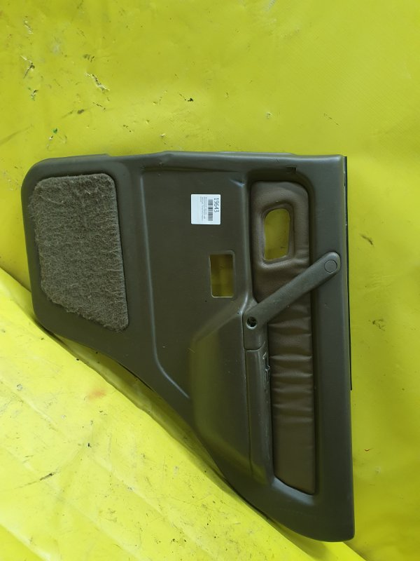 Обшивка дверей Mitsubishi Pajero V45W 6G74 1995 задняя правая