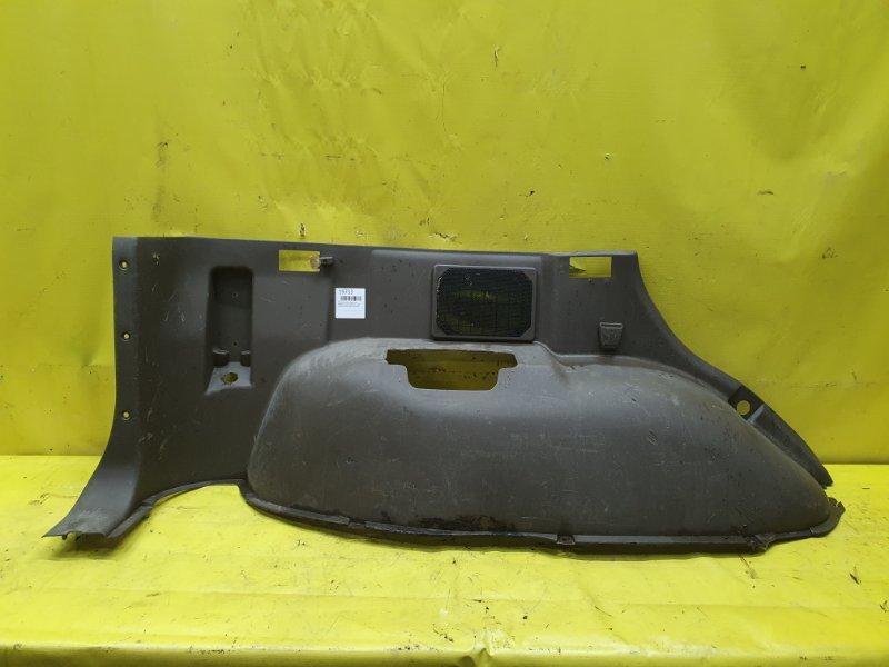 Обшивка багажника Mitsubishi Pajero V45W 6G74 1995 задняя левая