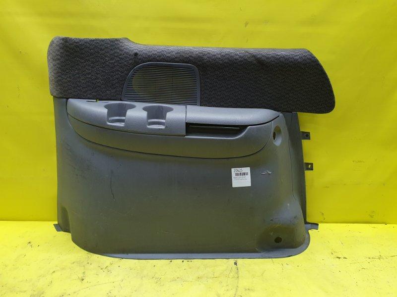 Обшивка багажника Chrysler Voyager VM54B 1996 задняя правая