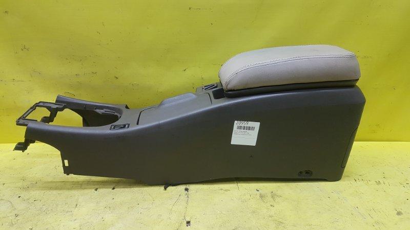Консоль между сидений Nissan Cefiro A33 VQ20 2001