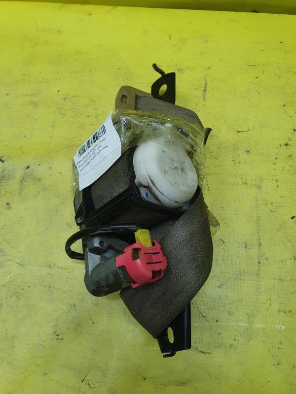 Ремень безопасности Nissan Cefiro A33 VQ20 2001 передний правый