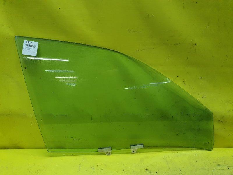 Стекло двери Nissan Cefiro A33 VQ20 2001 переднее правое