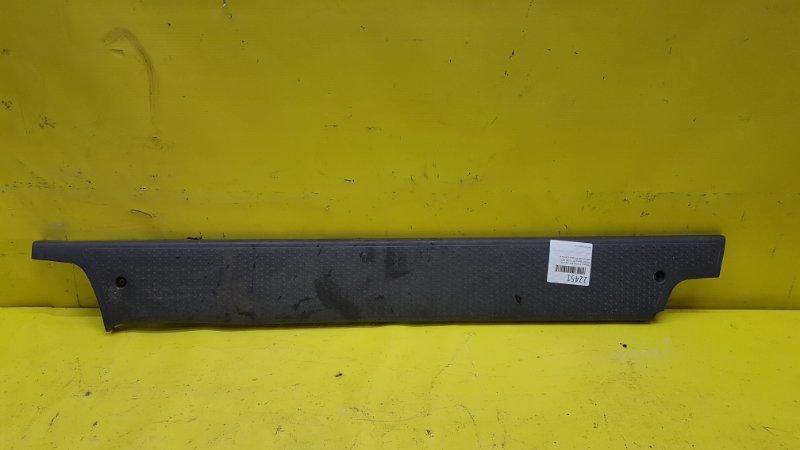 Порожек пластиковый Honda Stepwgn RF1 B20B 2000 задний левый