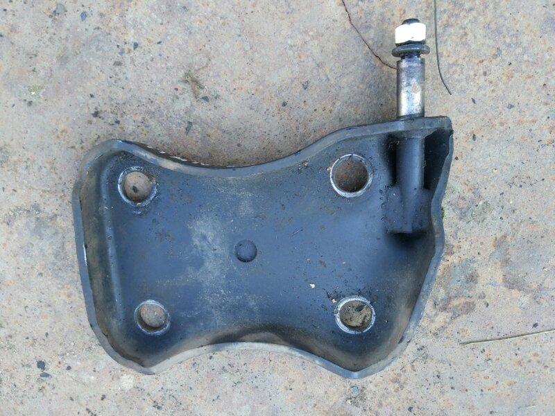 Крепление амортизатора Mazda Titan WG6AD 4HG1 1999 заднее правое