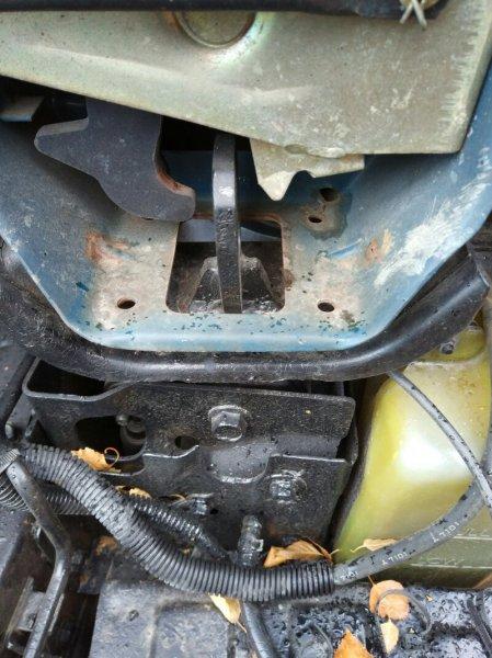 Подушка кабины Mazda Titan WGEAD TF 1997 задняя левая