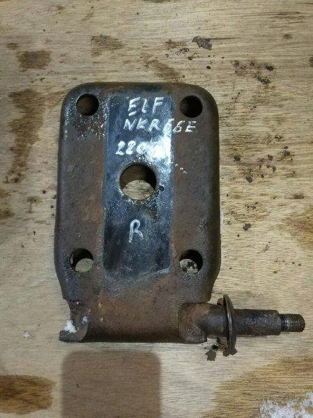 Крепление амортизатора Isuzu Elf NKR66E 4HF1 2001 заднее правое