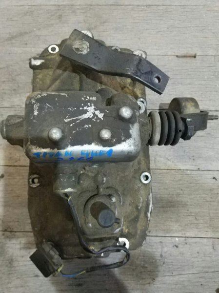 Крышка кпп Mazda Titan WG3AT 4HF1 1997