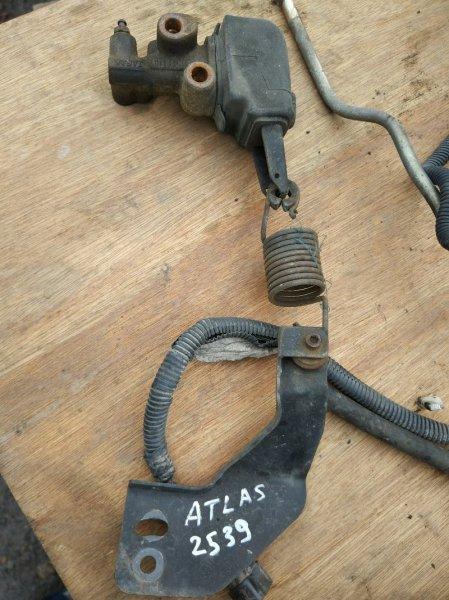 Клапан перераспределения тормозных сил Nissan Atlas R4F23 QD32 2001 задний