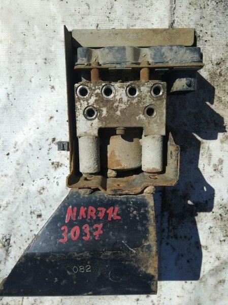 Блок abs Isuzu Elf NKR71L 4HG1 2002