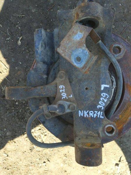 Поворотный кулак Isuzu Elf NKR71L 4HG1 2002 передний левый