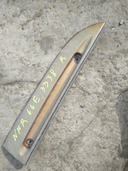 Ресничка Isuzu Elf NKR66E 4HF1 1996 правая верхняя