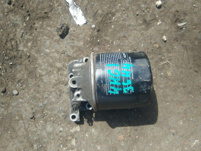 Крепление масляного фильтра Isuzu Elf NKR71L 4HG1
