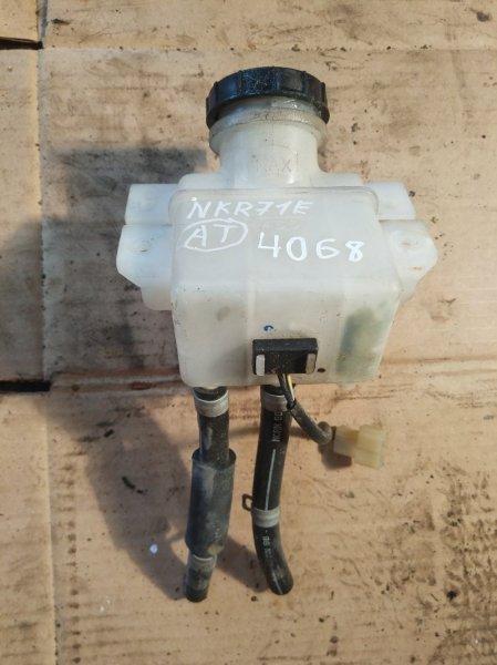 Бачок тормозной жидкости Isuzu Elf NKR71E 4HG1 1998