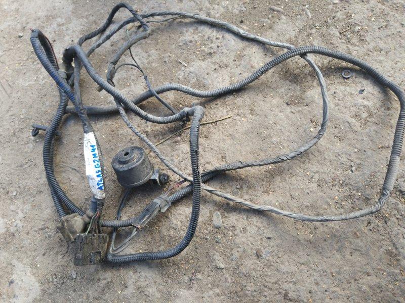Проводка стоп сигналов Nissan Atlas G2H41 FD42 1995 задняя