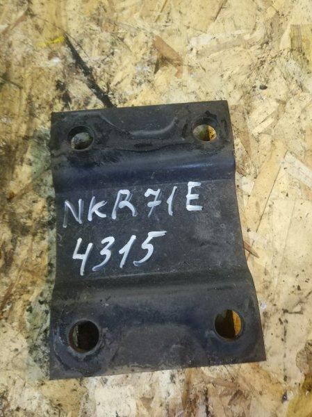 Опора рессоры Isuzu Elf NKR71E 4HG1 1997