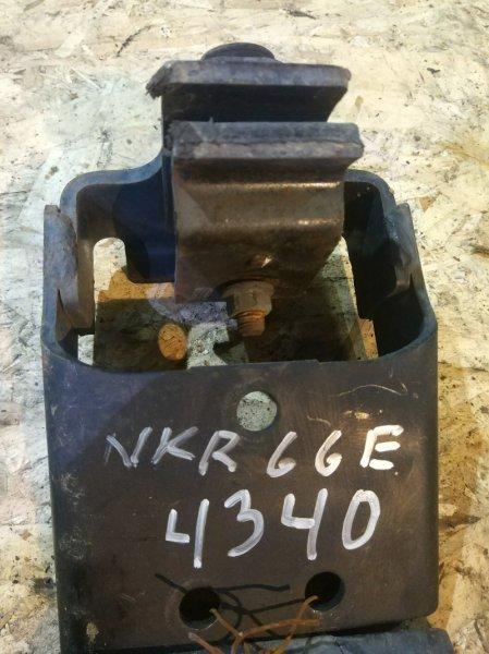 Подушка кпп Isuzu Elf NKR66E 4HF1 1996