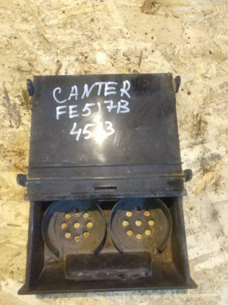 Подстаканник Mitsubishi Canter FE517B 4D33