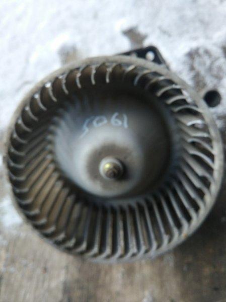 Моторчик печки Nissan Atlas P4F23 TD27