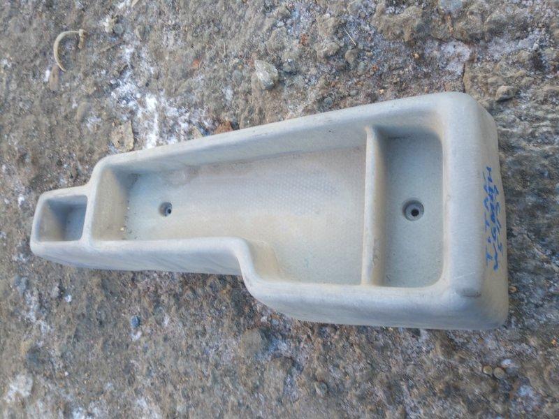 Бардачок, между сиденьями Mazda Titan WH63H 4HG1 2003
