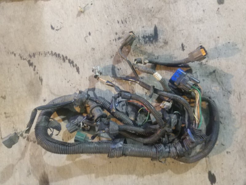 Проводка (коса) моторного отсека Mitsubishi Canter
