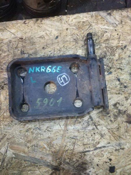 Крепление амортизатора Isuzu Elf NKR66E 4HF1 1997 заднее левое