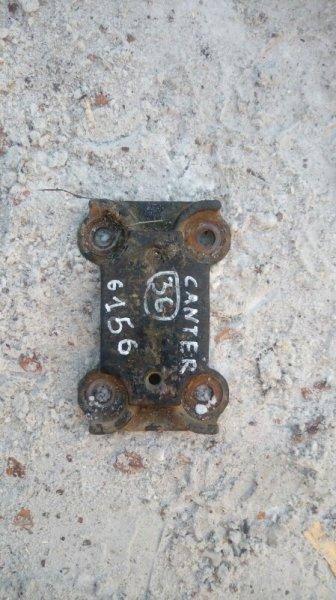 Опора рессоры Mitsubishi Canter FE517B 4D33 1996 задняя