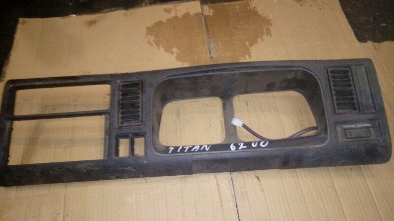 Консоль щитка приборов Mazda Titan WGEAD TF 1997