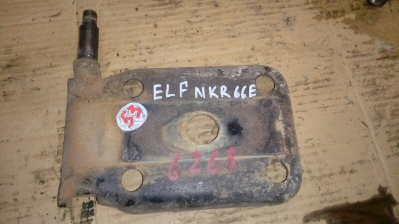 Крепление амортизатора Isuzu Elf NKR66E 4HF1 1997