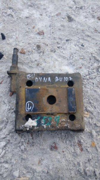Крепление амортизатора Toyota Dyna BU107 15B 1996 заднее левое