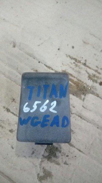 Пепельница Mazda Titan WGEAD TF 2000 правая