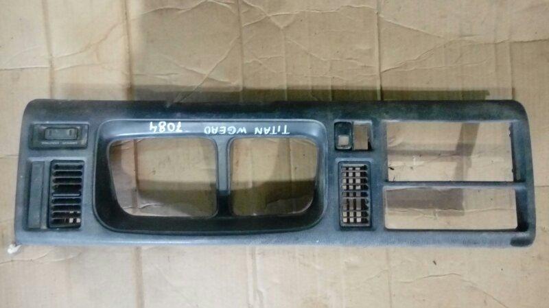 Консоль щитка приборов Mazda Titan WGEAD