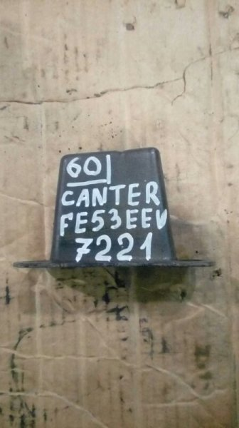 Отбойник моста Mitsubishi Canter FE53EEV 4M51 2002