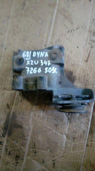 Кронштейн компрессора кондиционера Toyota Dyna XZU347 S05C 2003