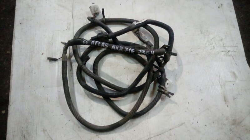 Проводка стоп сигналов Nissan Atlas AKR71E 4HG1 1998