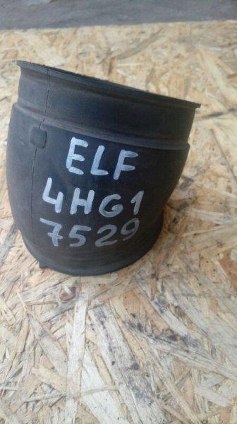 Патрубок воздухозаборника Isuzu Elf 4HG1