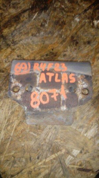 Подушка кпп Nissan Atlas R4F23 QD32 1999