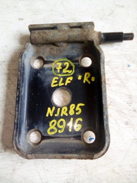 Крепление амортизатора Isuzu Elf NJR85 4JJ1 2009 заднее правое