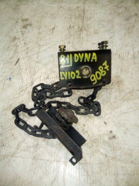 Механизм крепления запасного колеса Toyota Toyoace LY102 5L 2000
